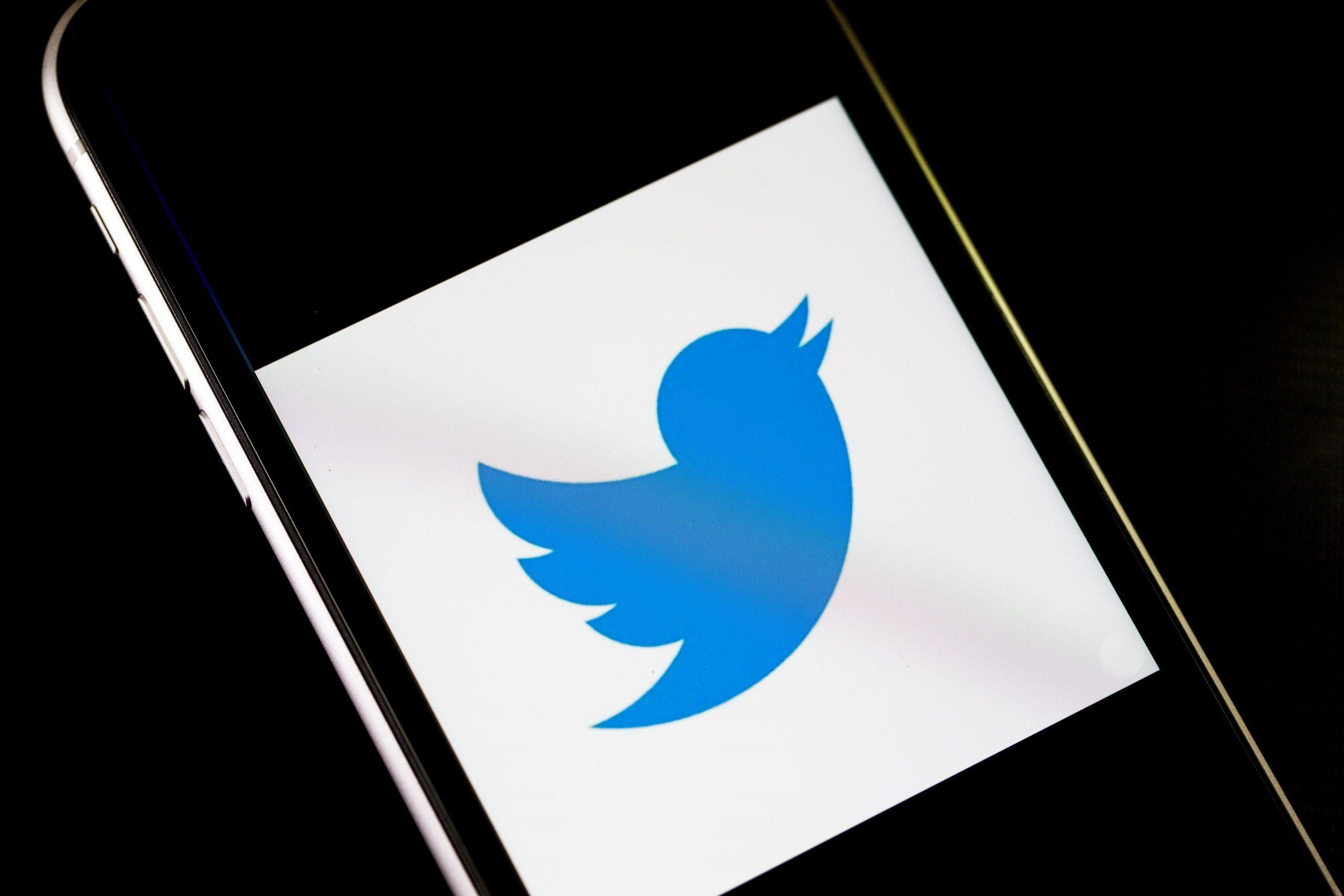 Twitter Geri Al düğme testi, kullanıcıların izlerindeki yazım hatası Tweetlerini durdurmalarına olanak tanır