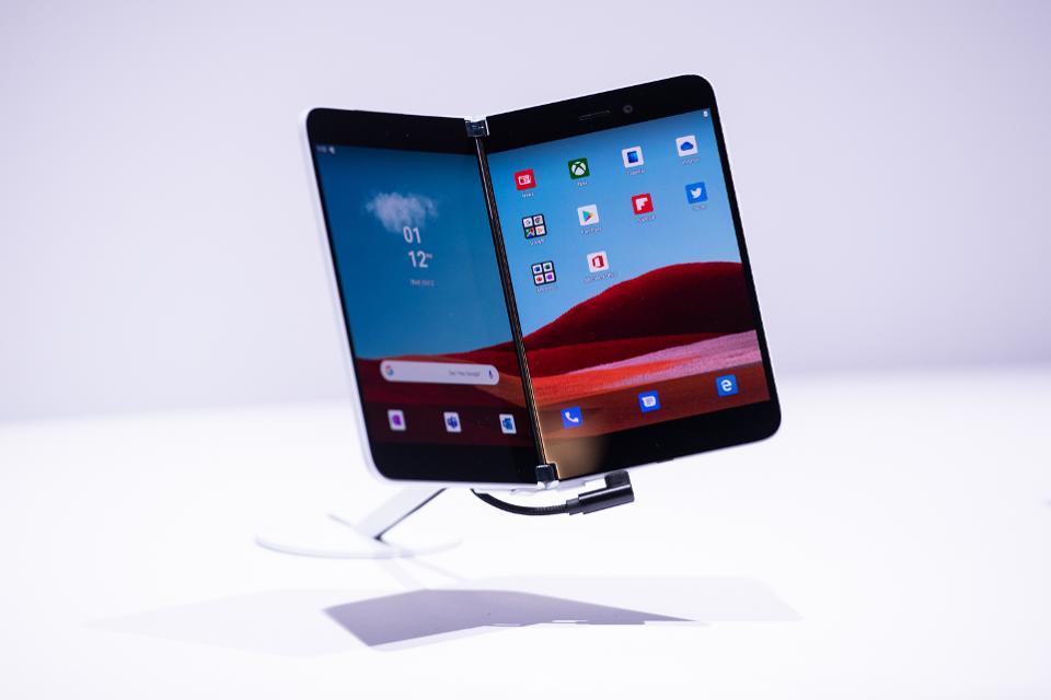 Microsoft Surface Duo ve Samsung Galaxy Fold 2: Özellik Karşılaştırması