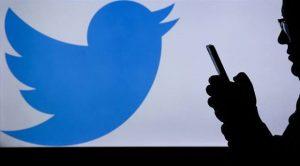 Twitter Donald Trump'ın hesaplarını kalıcı bir şekilde askıya aldı