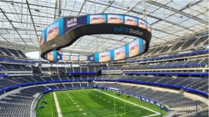 Samsung, 6.500 Metrekare Alan Kaplayan Dev Ekranını SoFi Stadyumu'na Yerleştirdi!