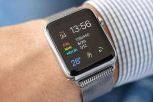 Yeni Apple Watch, iPod Nano Gibi Görünen İlginç Gizleme Kutusuyla Göründü!