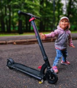 Mercedes-Benz, Gelecekte Üreteceği Elektrikli Scooterını Duyurdu!
