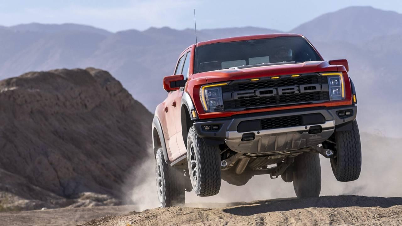 Ford F-150 Raptor R V8 geliyor ve sorularımız var