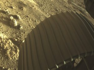 Efsanevi yeni fotoğraflar, Mars'a vahşi inişi sırasında NASA Perseverance gezgini gösteriyor