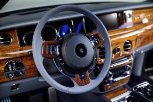 Bu tek seferlik Rolls-Royce Phantom, Hawaii ahşabının sonucudur.