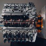 İşte dünyadaki en gelişmiş 12 silindirli motora sahip olan araç !