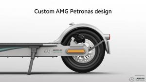 Xiaomi ve Mercedes Yeni Scooter Modelini Paylaştı!