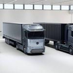 Mercedes'in sahibi, Daimler Trucks'ın özerklik ve EV'leri kovalamak için tek başına ismini değiştiriyor