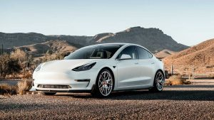 Tesla fiyat indirimi, Model 3 ve Model Y'yi daha ucuz hale getiriyor
