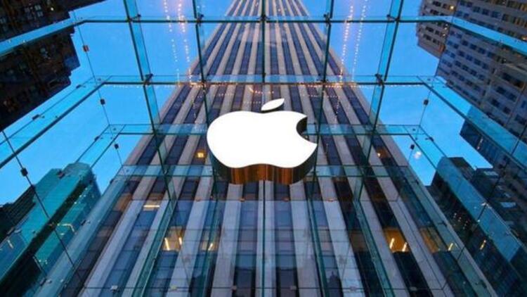 Apple, ticari sırları bir gazeteciye sızdırdığı iddiasıyla eski MacBook tasarımcısına dava açtı