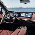 BMW iDrive 8 büyük ekranları, daha az düğmeyi, 5G'yi ve otonomiye giden yolu kucaklıyor