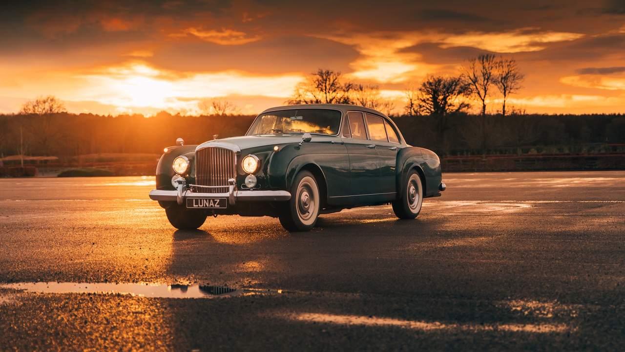 Lunaz, elektrikli İngiliz otomobil serisine klasik Bentley'leri ekledi