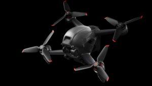 DJI FPV, pilot için gözlüklü süper hızlı bir 4K drone