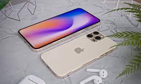 İddia edilen iPhone 13 modellerinin ön cam panel görüntüleri daha küçük bir çentik, yeri değiştirilmiş kulaklık gösteriyor