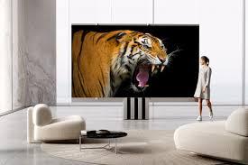 İşte zemine yerleştirilebilen 400.000 $ 'lık Katlanır MicroLED TV olan C SEED M1.