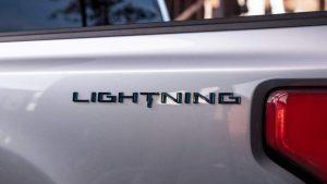 2022 Ford F-150 Lightning, yeni elektrikli pikabın EV adını verdi